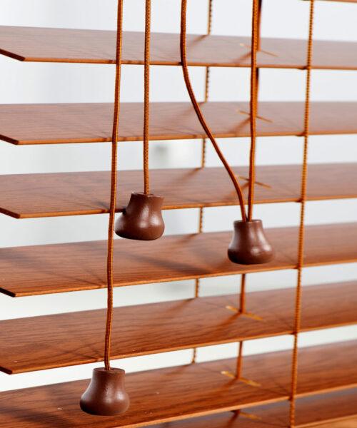 drabinka-sznurkowa-drewno-943x1024